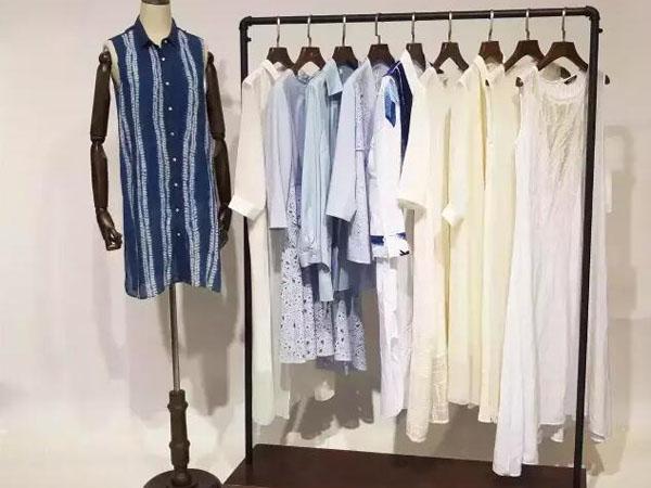东又西时尚女装品牌店