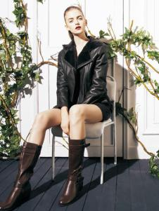 东又西女装黑色翻领皮衣