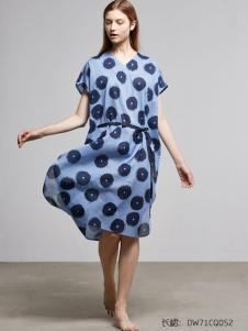 朵朵可可天蓝色印花长裙