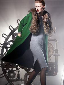 顿妮娅女装绿色毛领长款大衣