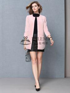 法拉鸣歌女装粉色圆领外套