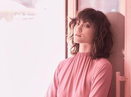 粉色成为这季的流行色 颠覆传统代表独立和强壮