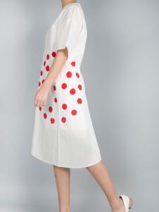 零时尚17春季新款白色印花连衣裙
