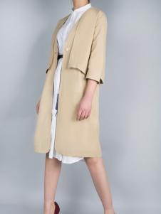 零时尚17春季新款卡其色外套