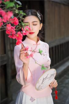 固执obstinate2017春季新款文艺复古修身立领盘扣绣花立体装饰百搭上衣