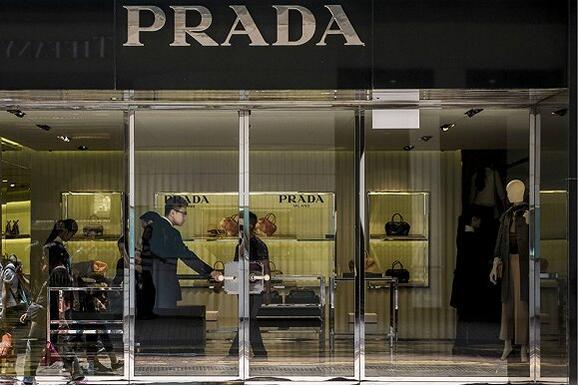 香港奢侈品市场或将走出黑暗 商铺降租来得太迟
