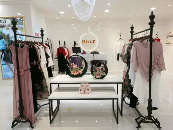 HCLY韩潮丽影女装品牌实体店