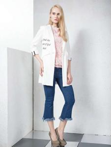 湘衣铭白色五分袖西装外套