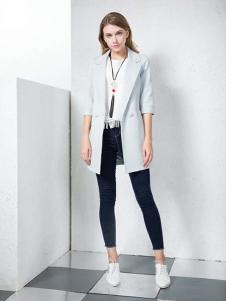 湘衣铭女装湘衣铭灰色五分袖西装款外套