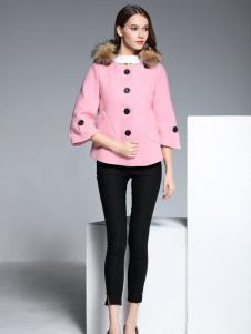 彤欣格粉色毛领阔袖呢外套