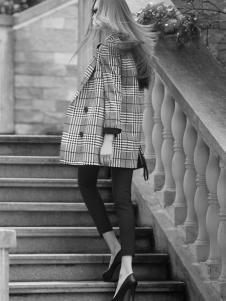 古姿语女装格纹大衣