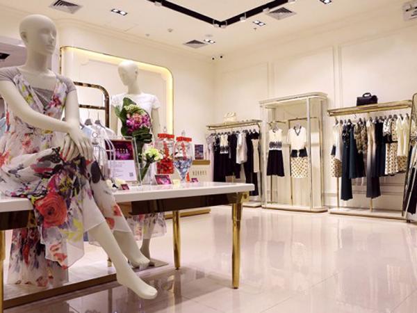 红凯贝尔女装实体终端展示品牌旗舰店店面