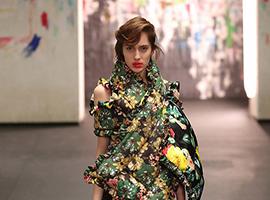 2017伦敦时装周:Preen满满女人味 设计更有故事感