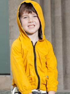 季季乐黄色外套