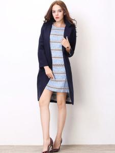 嘉奈芘女装藏青色大衣