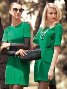 薇妮兰春夏绿色修身圆领连衣裙