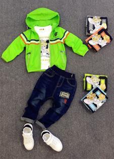 123童装绿色外套