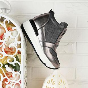 韩风女鞋品牌加盟  韩国圣恩熙女鞋