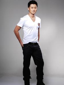 莎斯莱思男装白色V领T恤