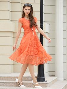 金蝶茜妮亮橙色A字版连衣裙