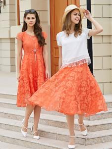 金蝶茜妮橙色蕾丝连衣裙