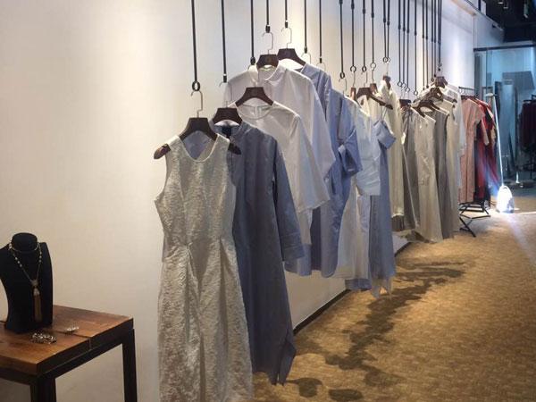 零时尚买手品牌女装店铺形象图