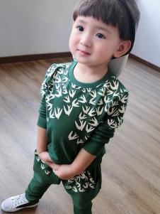 酷小鸭童装绿色T恤