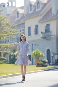 DILUNNUNA帝伦奴那2017年春夏新品竖条纹连衣裙