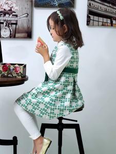 蓝蚁迪堡绿色连衣裙