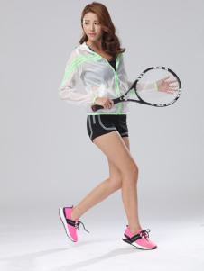 雷比亚粉色轻型运动鞋