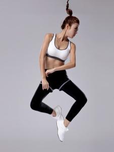 雷比亚白色运动休闲鞋