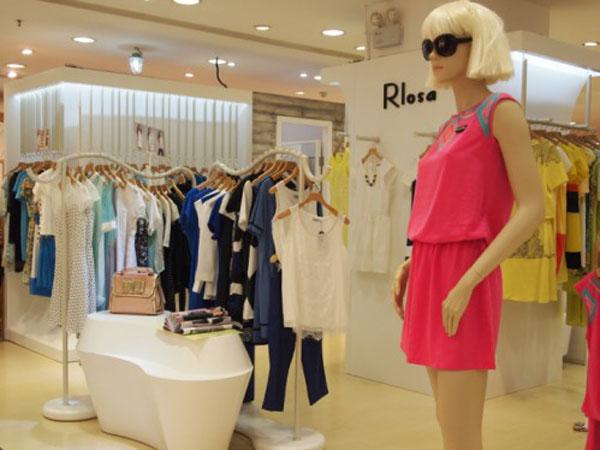 Rlosa路莎品牌女装终端实体展示品牌旗舰店店面