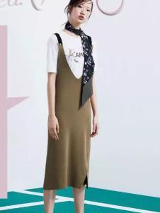 Lily女装2017春夏新品军绿色吊带裙