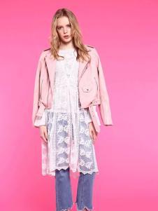 爱客短款粉色时尚上衣