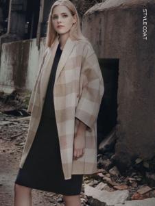 蒙杰诗丹女装格纹廓形外套