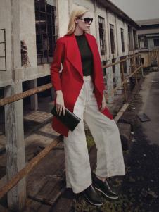 蒙杰诗丹女装大翻领红色外套