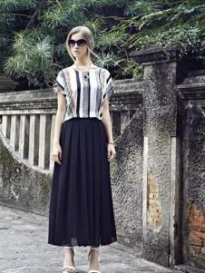 米拉格女装黑色褶裙