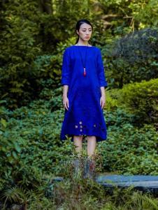 曼茜纱2017春夏新品宝蓝色连衣裙