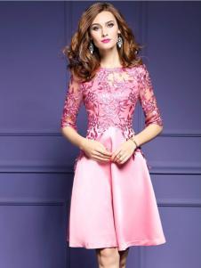 千姿惠女装粉色X版蕾丝连衣裙