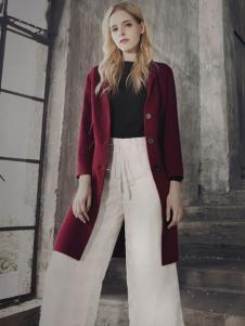 蒙杰诗丹女装酒红色外套