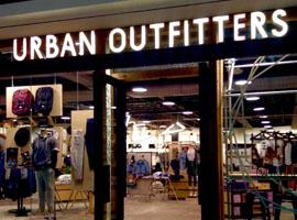 零售泡沫已经爆破?Urban Outfitters连着3年倒退