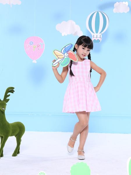 2017班吉鹿新款粉色连衣裙