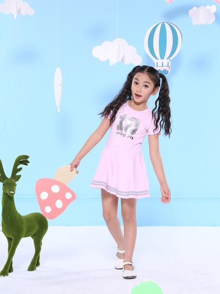 2017班吉鹿新款收腰连衣裙