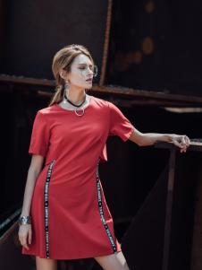 威丝曼红色连衣裙