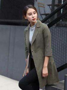 莫卡欧女装2017新品隐条纹风衣