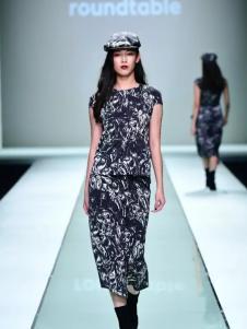 roundtable黑色时尚长款连衣裙