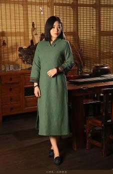 木棉道绿色V领开衩连衣裙