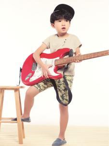 Hello child童装简约纯色T恤