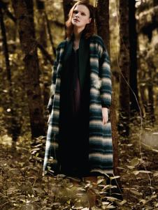 凝素女装条纹长款大衣