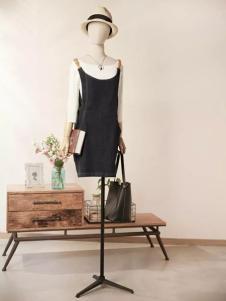 速品黑色时尚背带裙